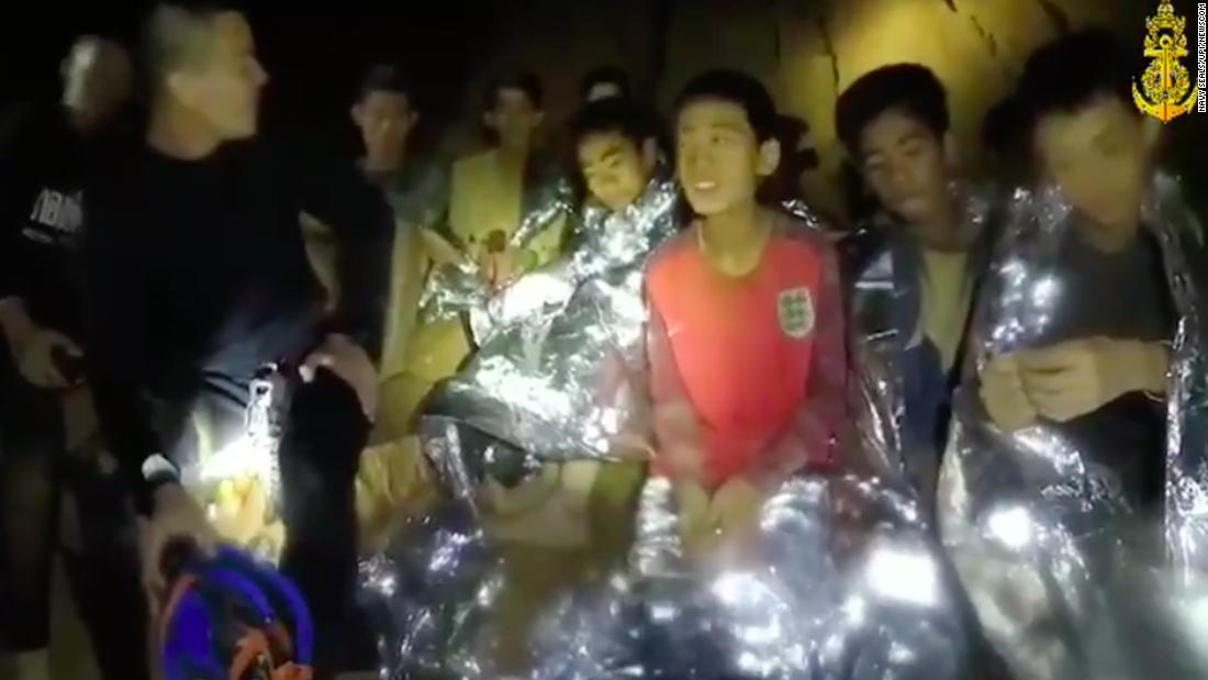 Niños en la cueva de Tailandia