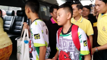 epa06896130 Two of the twelve rescued members of the Wild Boar soccer team depart from the Chiangrai Prachanukroh Hospital in Chiang Rai province, Thailand, 18 July 2018. The 13 members of the Wild Boar child soccer team, including their assistant coach, who were trapped in the Tham Luang cave since 23 June 2018, will make their first appearance for a tightly-controlled interview with media after they were rescued, before returning to their homes with families. EPA-EFE/CHAICHAN CHAIMUN