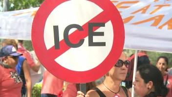 Manifestantes le piden a Trump el cierre de ICE