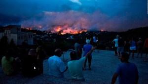 Decenas de muertos en Grecia por incendios forestales