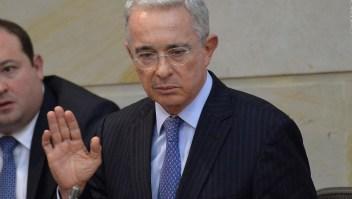 Álvaro Uribe anuncia su renuncia al Senado en Twitter