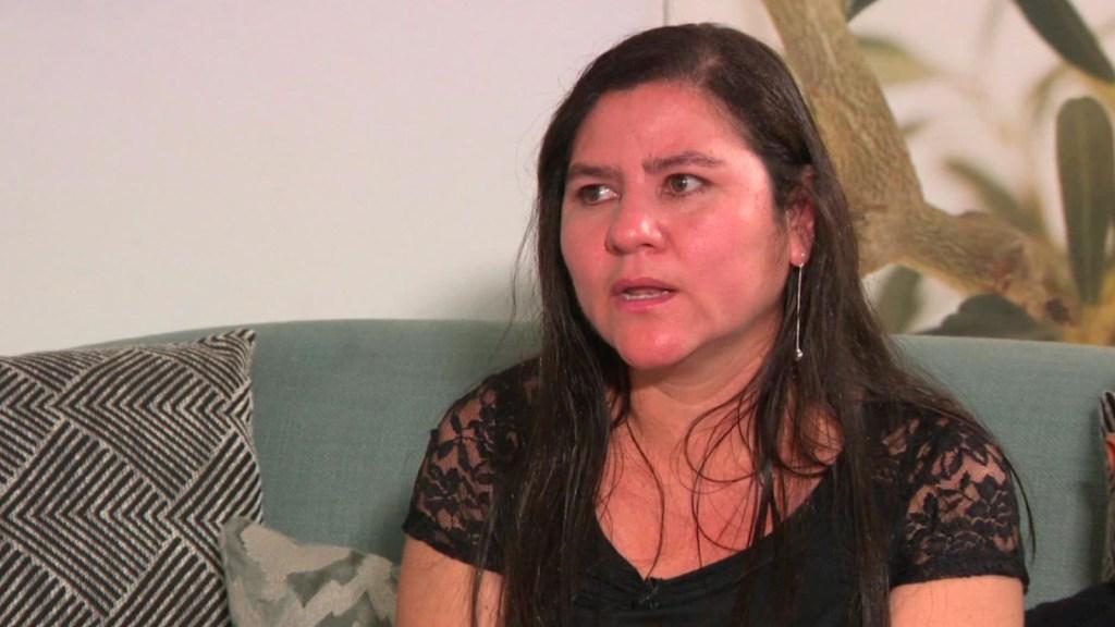 Tras estar separados por 27 días, una madre salvadoreña pide asilo con su hijo