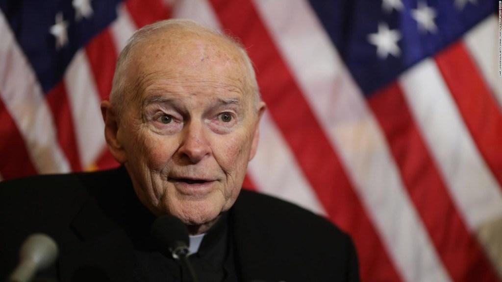 El Vaticano acepta la renuncia de cardenal acusado de abuso sexual