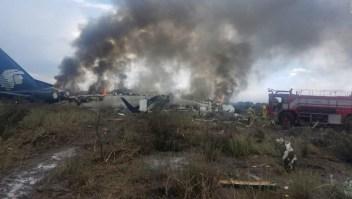 Accidente de avión en Durango: bomberos controlan el fuego