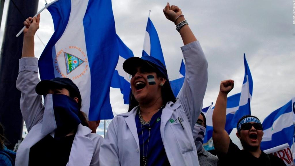 Médicos protestan por despidos en Nicaragua