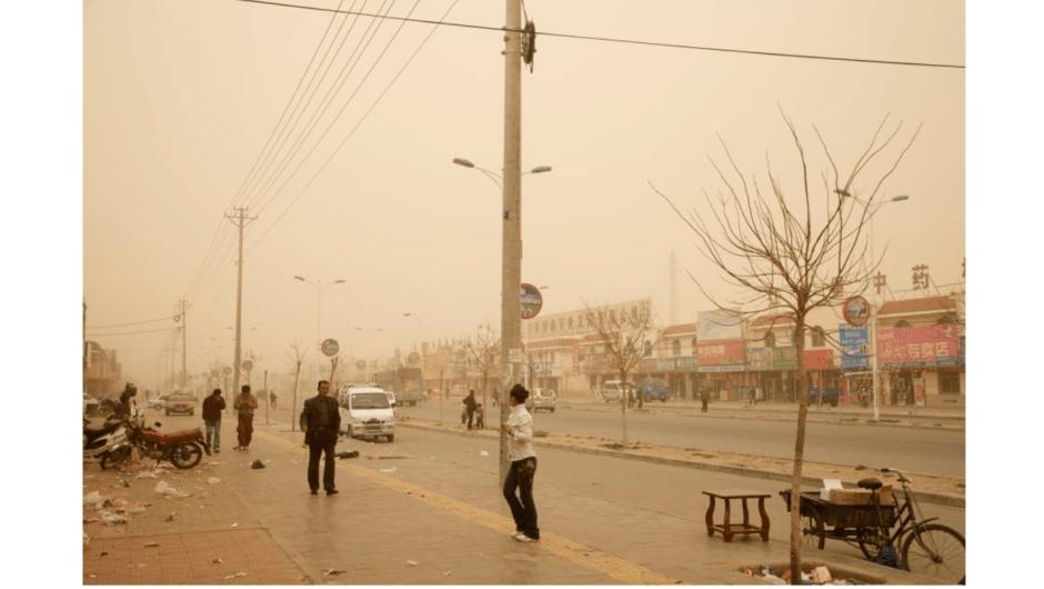 Una imagen de Hongsibao, una ciudad de reasentamiento en la provincia de Ningxia, China, tomada por el fotógrafo Benoit Aquin.