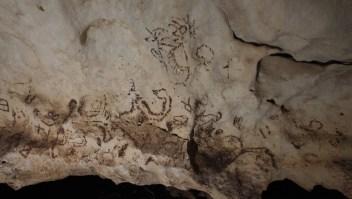Pinturas rupestres halladas en una cueva en Yucatán, México. (Crédito: Sergio Grosjean).