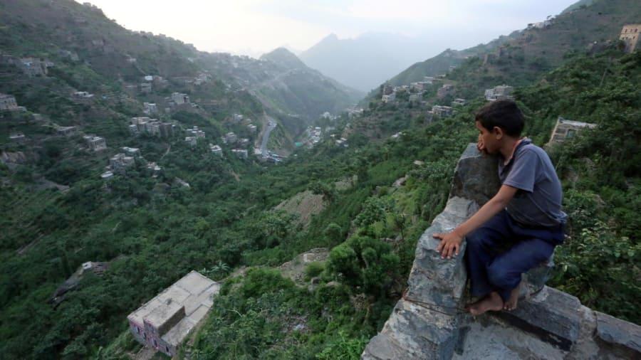 Montaña Dhalamlam, Yemen: las personas que viven aquí están tan elevadas que se ven excluidas de la guerra que asola a esa nación.