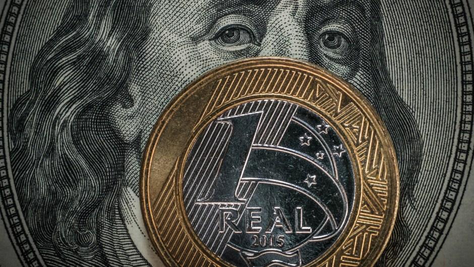 Brasil ha eliminado ceros de su moneda en cinco ocasiones: la primera en 1967, cuando quitó tres ceros, y la última en 1993, cuando quitó otros tres. (Crédito: YASUYOSHI CHIBA/AFP/Getty Images)