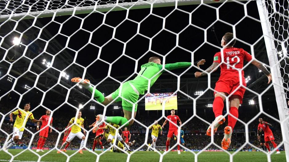 Momento en el que entra el balón en la portería de Inglaterra. Colombia empató con Inglaterra y van a la prórroga para ver quién pasa a cuartos de final del Mundial. (Crédito: Matthias Hangst/Getty Images)