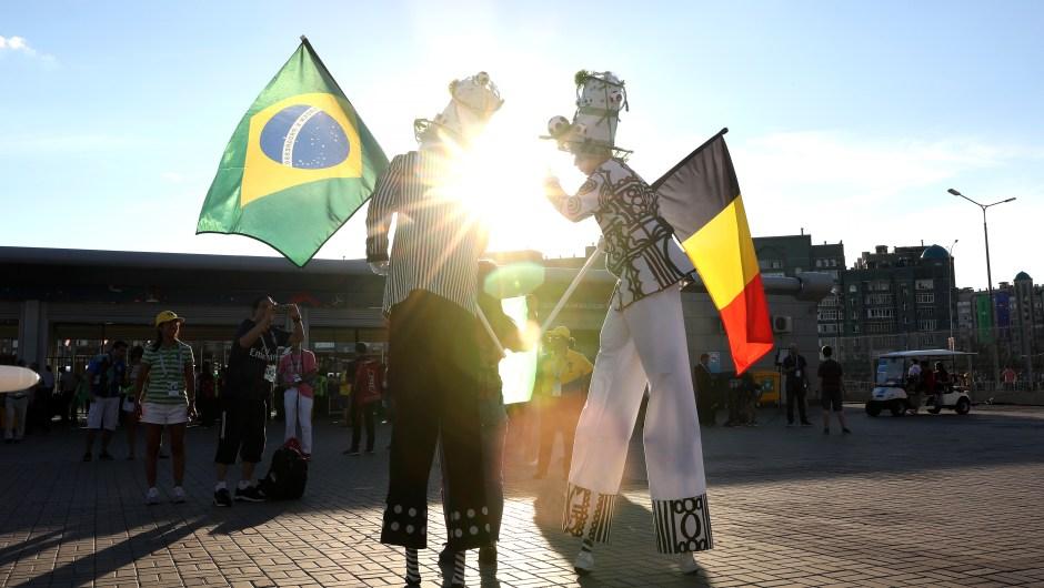 Fanáticos de Brasil y Bélgica disfrutan del ambiente previo al partido de cuartos de final. El ganador se enfrentará con Francia en las semifinales de Rusia 2018. Catherine Ivill/Getty Images)