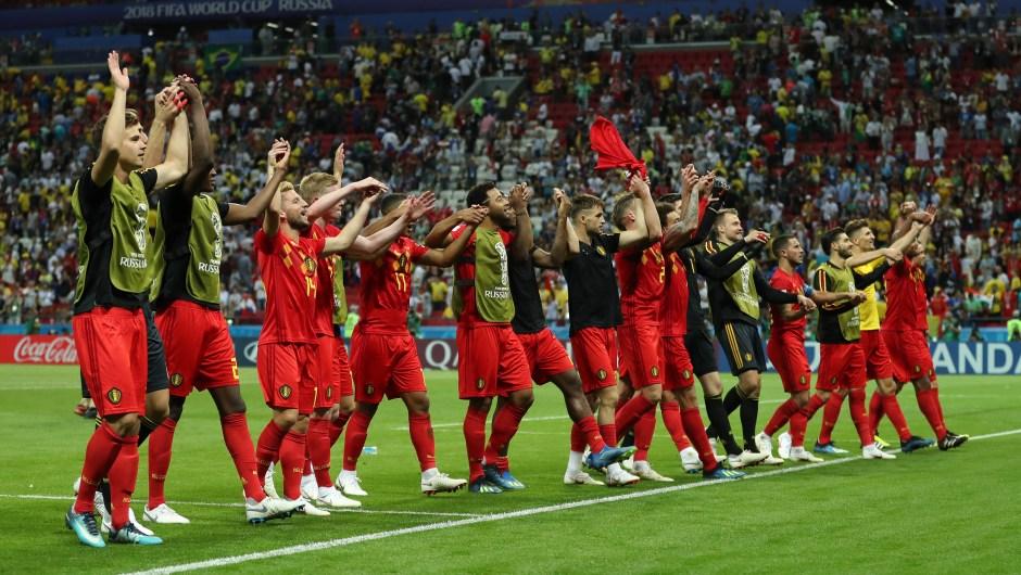 Felicidad en el equipo de Bélgica por haber ganado a uno de los gigantes de los Mundiales, Brasil. Dan las gracias a los aficionados que han ido hasta Rusia para verles. (Crédito: Catherine Ivill/Getty Images)