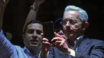 Abogado de Uribe asegura que hay irregularidades en el caso por soborno y fraude procesal