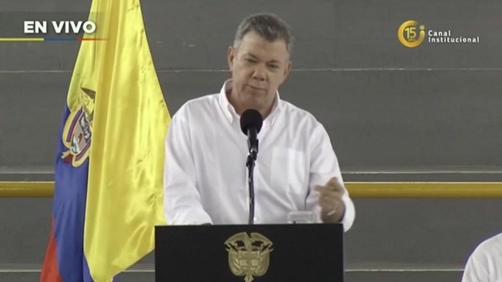 """Juan Manuel Santos: """"Esto es distinto a negociar con las FARC"""""""