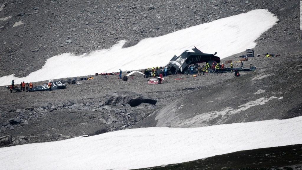 Nadie sobrevivió al accidente de un avión turístico en Los Alpes suizos