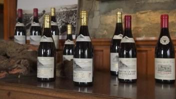 Francia busca prevenir que las mujeres embarazadas beban vino