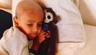 Un simio de juguete ayuda a los niños con cáncer en Chile