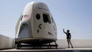 Un vistazo a la nave espacial Crew Dragon de SpaceX