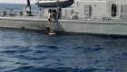 Cae de un crucero y es rescatada 10 horas después