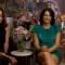 """Aislinn Derbez y Cecilia Suárez definen """"La casa de las flores"""" en una palabra"""