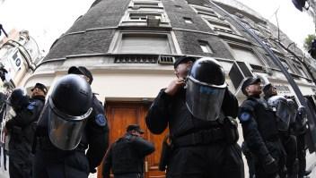 #MinutoCNN: Allanan propiedades de Cristina Fernández