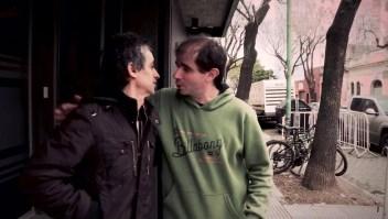 Los argentinos saludan con un beso, ¿por qué?