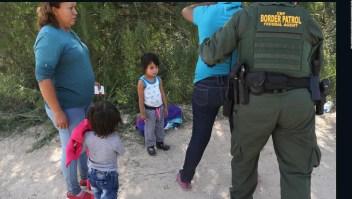 Más de 700 niños inmigrantes siguen separados de sus padres