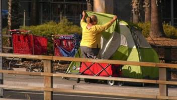 Miles de personas están quedándose sin hogar en Los Ángeles