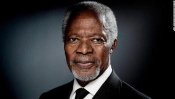 """El Premio Nobel de la Paz 2001, exsecretario general de las Naciones Unidas Kofi Annan: """"Por su trabajo por un mundo mejor organizado y más pacífico""""."""