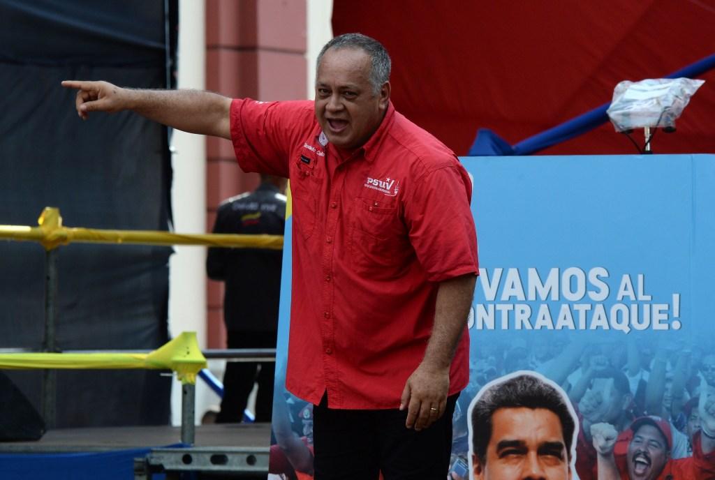 Diosdado Cabello durante un mitin en favor de las medidas económicas tomadas por Maduro en Venezuela. (Crédito: FEDERICO PARRA/AFP/Getty Images)