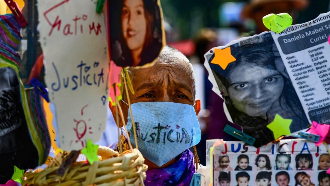 Manifestación por desapariciones en México. (Crédito: RONALDO SCHEMIDT/AFP/Getty Images)