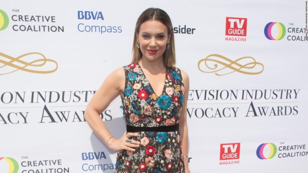 La actriz Alyssa Milano también tardó mucho tiempo en hablar sobre el abuso sexual que sufrió.