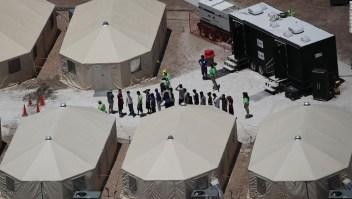 Amplían un centro de detención de inmigrantes en Texas.