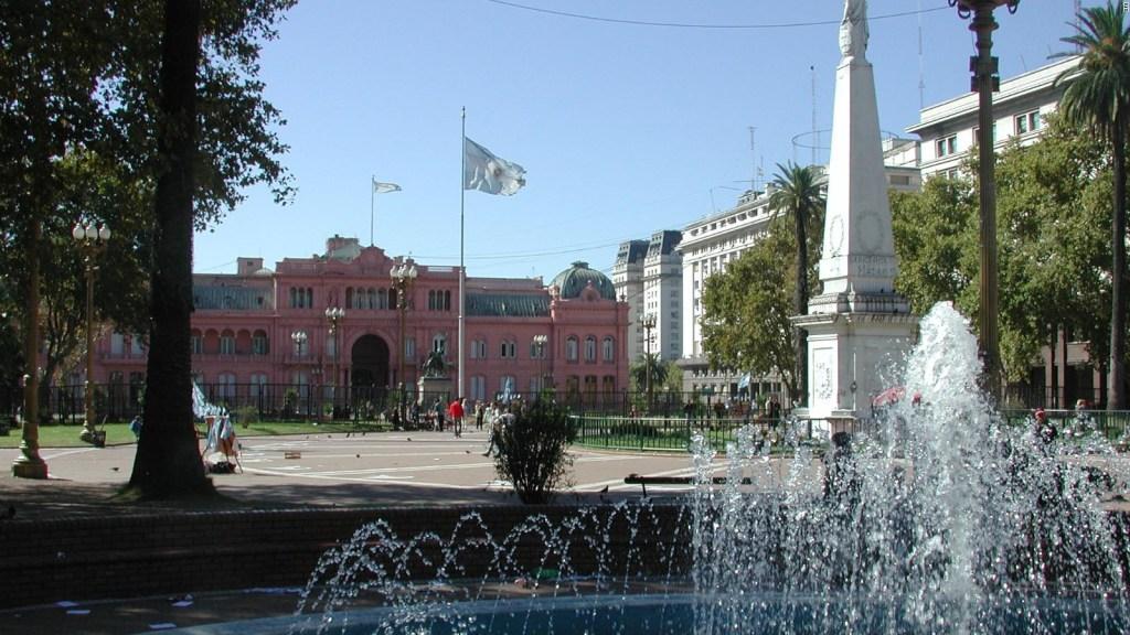 Nuevo gabinete ante el colapso monetario de Argentina a partir del lunes