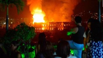 200 años de historia reducidos a cenizas en Brasil
