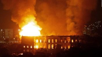 Incendio en el Museo Nacional de Río consume 200 años de historia