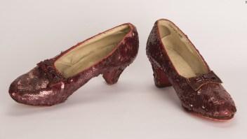 Los zapatos rojos de Dorothy en 'El Mago de Oz' fueron encontrados este verano, según el FBI.