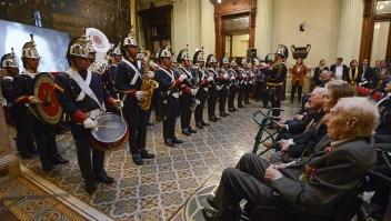 Homenaje a veteranos argentinos, 73 años después