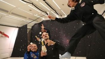 Así será tomar champaña en el espacio