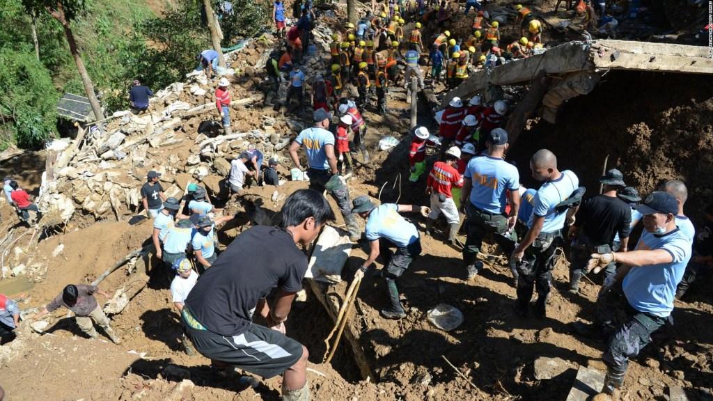 Buscan a más sobrevivientes tras paso de tifón
