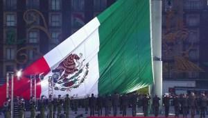 México honra a las víctimas de los terremotos