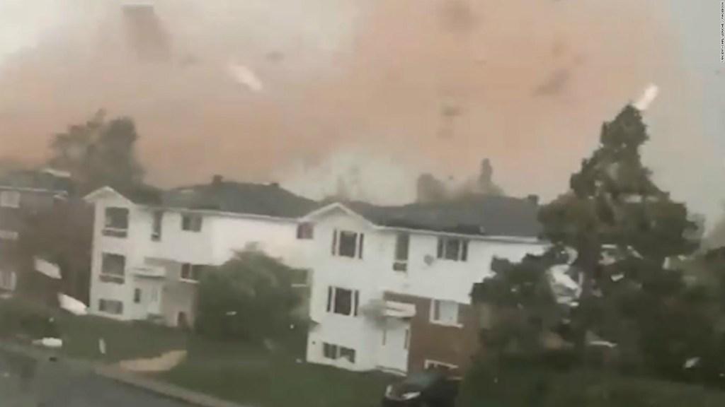 Tornado descarga su furia sobre un vecindario en Canadá