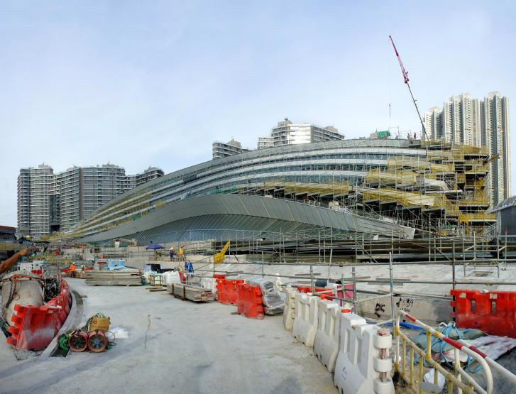 El techo cubierto de hierba de la estación será un parque peatonal. (Crédito: Andrew Bromberg en Aedas)