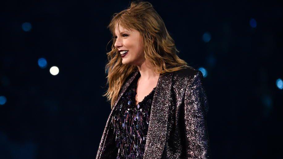 Taylor Swift rompe su silencio en política y apoya a dos candidatos