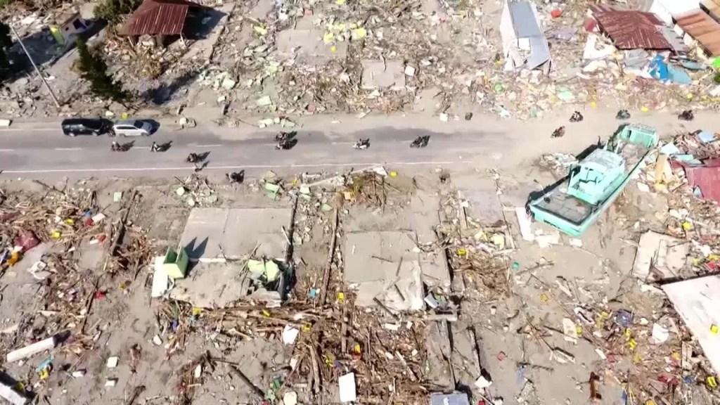Doble tragedia: terremoto y tsunami golpean a Indonesia