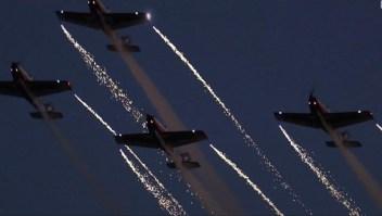 Equipos de acrobacia aérea se presentaron en el norte de China
