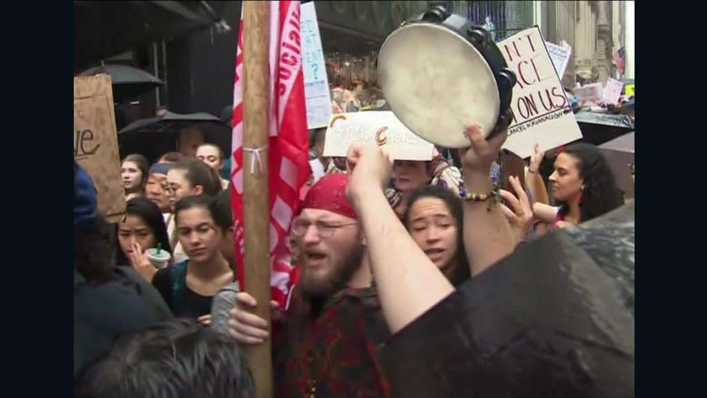 Movilización anti-Kavanaugh cerca de la Torre Trump