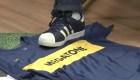 Un periodista brasileño pisoteó la camiseta de Boca