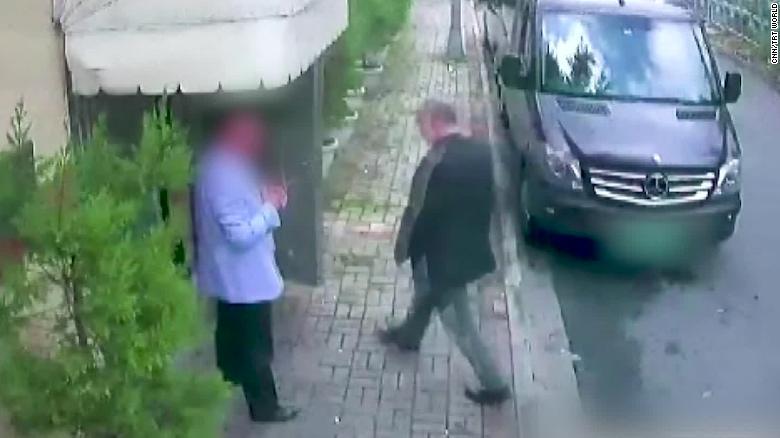 Las imágenes de CCTV muestran a Jamal Khashoggi entrando al consulado de Arabia Saudita en Estambul el 2 de octubre.