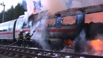 Se incendia tren en Alemania